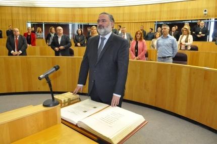 Pablo García jura su cargo como Diputado provincial