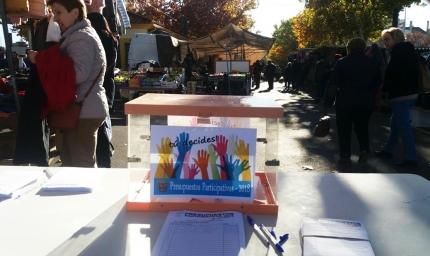 Urna en la mesa de votación del pasado sábado 2 de diciembre en el mercadillo municipal por la que pasaron más de 150 personas.