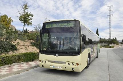 Autobús de la Línea 123.