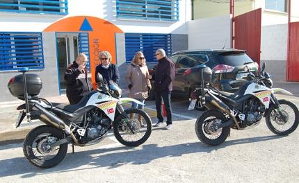 Presentación de las dos nuevas motocicletas en la sede de Protección Civil.