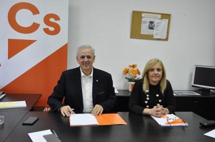 Manuel Montalvo y María del Carmen Calderay en rueda de prensa