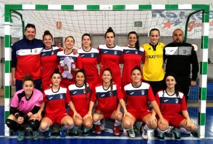 Integrantes del equipo Albolote Futsal posan bajo palos antes del inicio del partido /A.F.