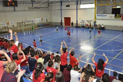El municipal de Albolote registró un gran ambiente en las gradas y el público no paró de animar en todo momento.