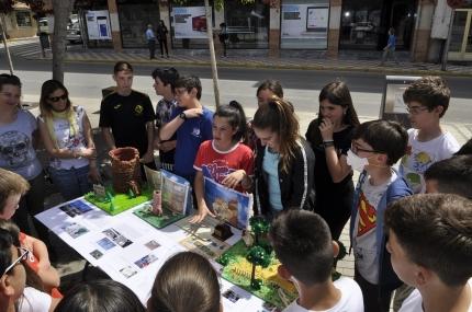 Alumnado del Ave María con su proyecto medioambiental