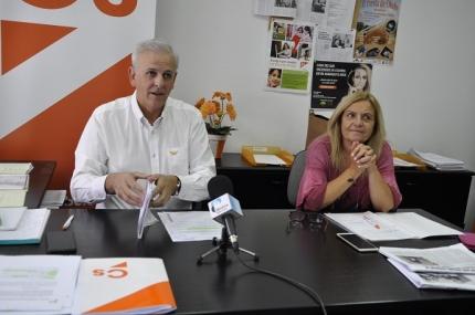 Carmen Calderay y Manuel Montalvo en rueda de prensa