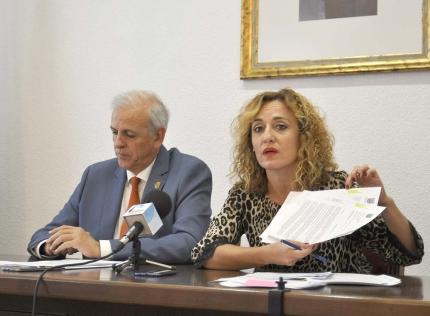 Rueda de prensa de la portavoz de gobierno, Marta Nievas, y del portavoz de Cs, Manuel Montalvo